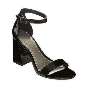 Worthington Barb Black Open Toe Block Heel Sandals